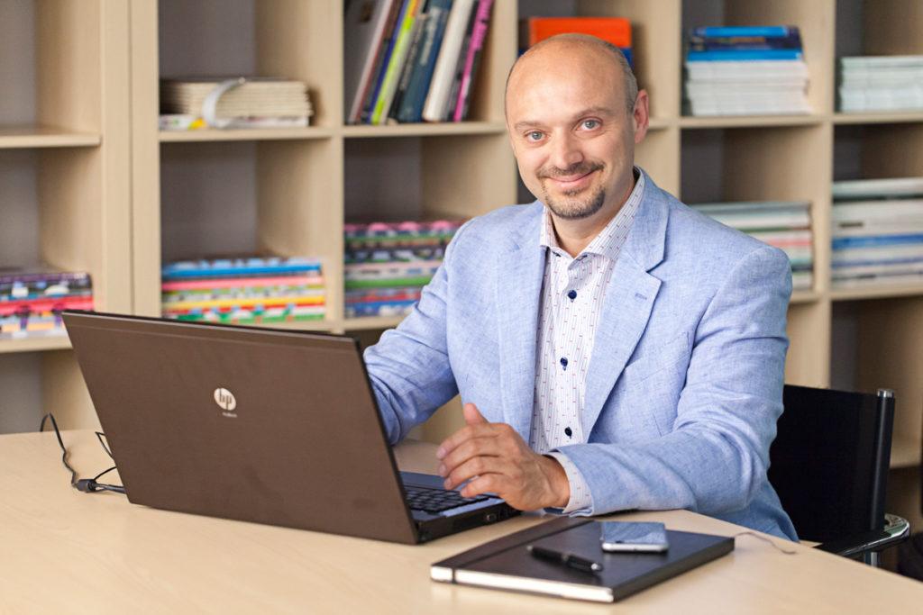 Fabio Gasparella al computer